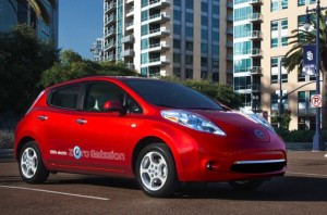 2012-nissan-leaf-red