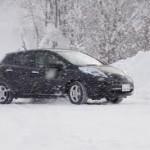【動画あり】雪道をリーフで走るコツ 徹底チェックする スタッドレスタイヤのチョイスは?